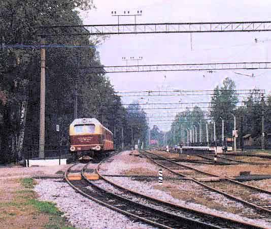 Поезд на станции Шувалово